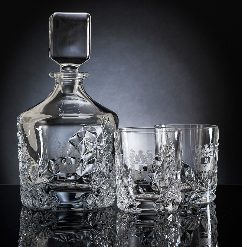 whisky decanter set engraved with family crest. Black Bedroom Furniture Sets. Home Design Ideas