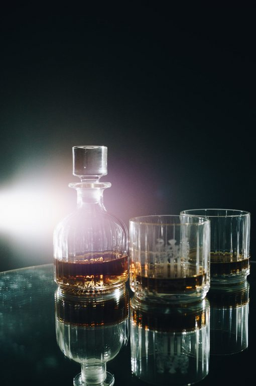 whiskey decanter and whiskey glasses set